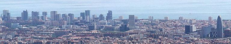 799px-Skyscrapers_in_Diagonal_Mar,_Barcelona