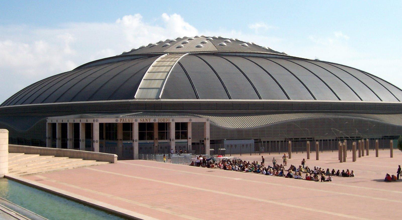 Palau sant jordi a piscina tempor ria do mundial de for Piscinas sant jordi barcelona