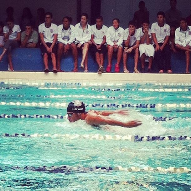 Leo de Deus nadando 400 borboleta (Foto: Instagram Leonardo de Deus)